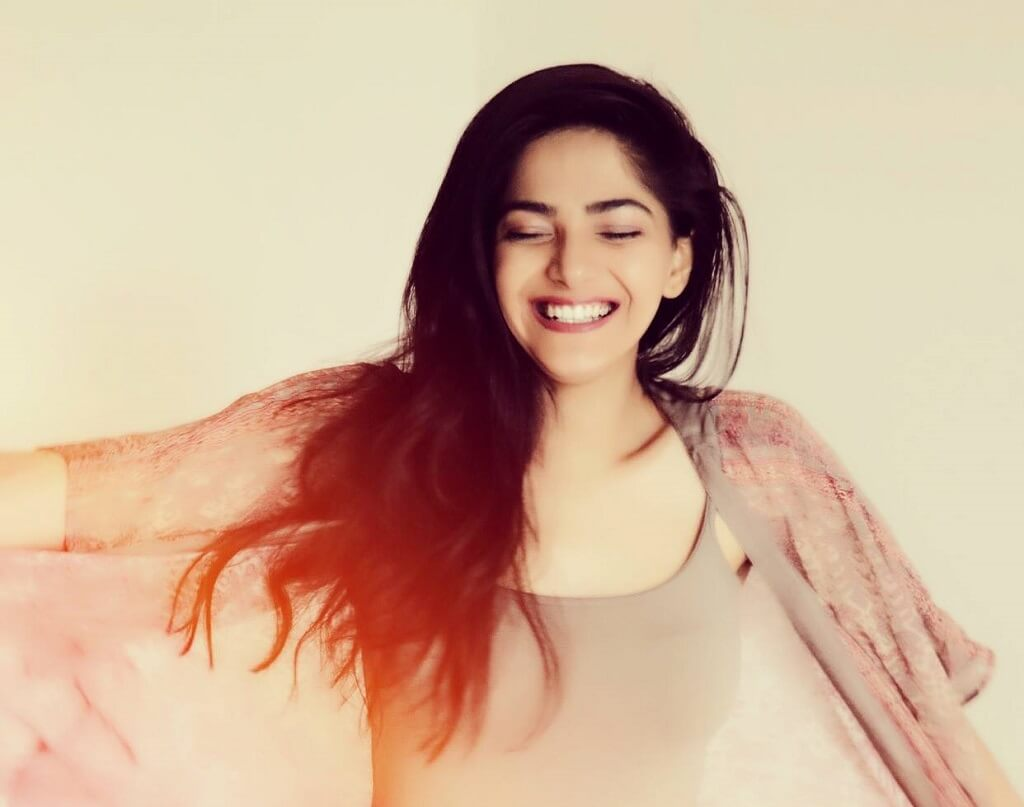 Cute Pooja gaming photo smiling