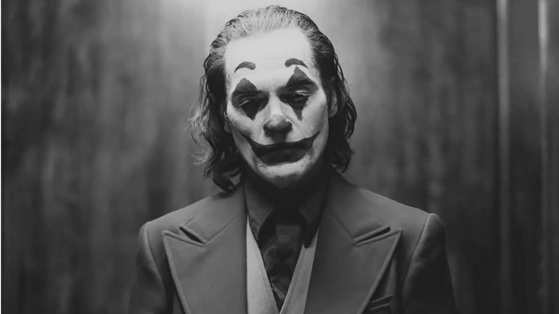Joker black and white wallpaper 4k