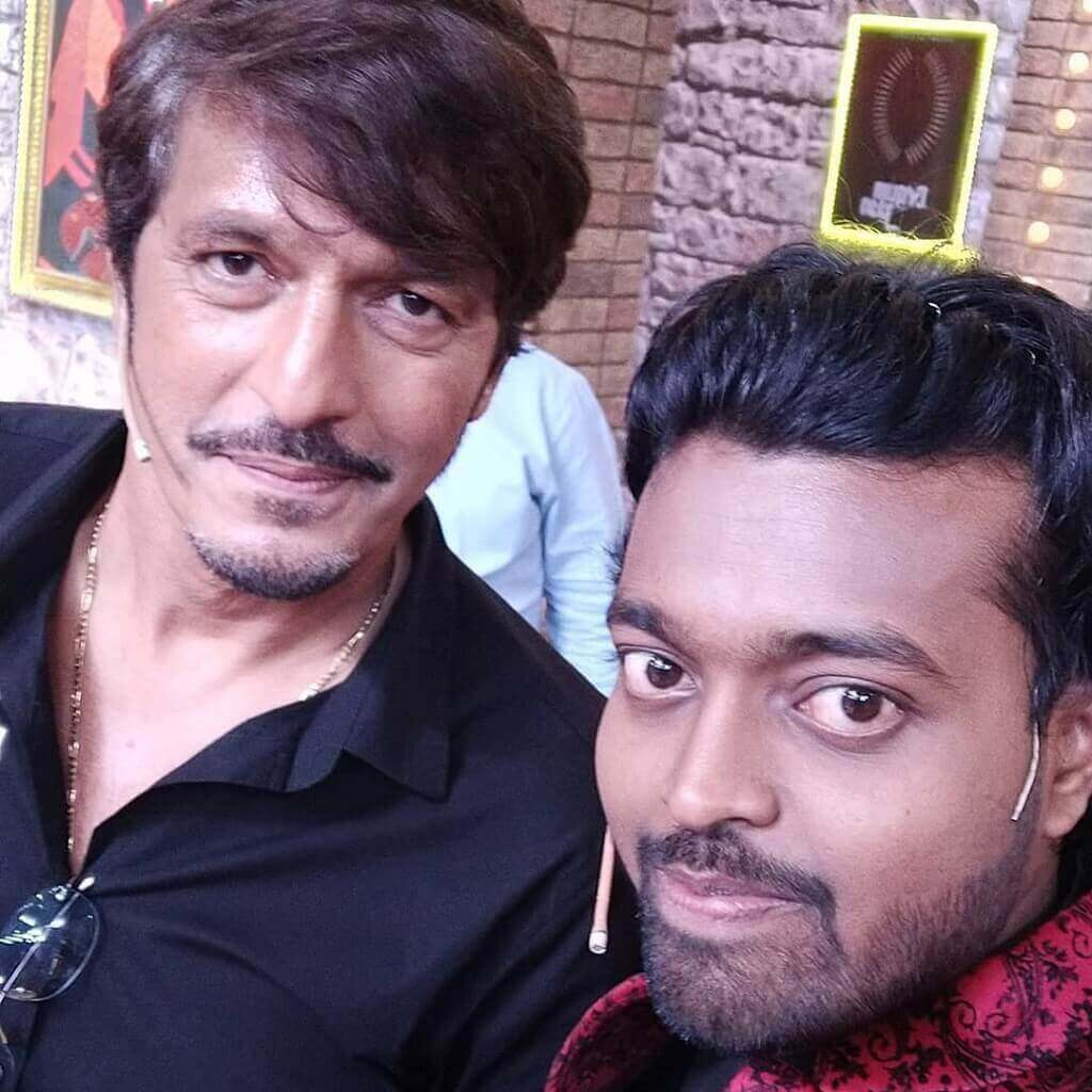 Photo of Adarsh Anand with Chunky Pandey AKA Aakhri Pasta