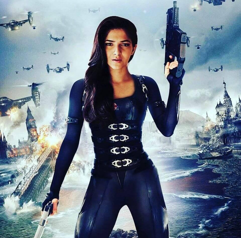 Pooja pubg attitude photo holding gun