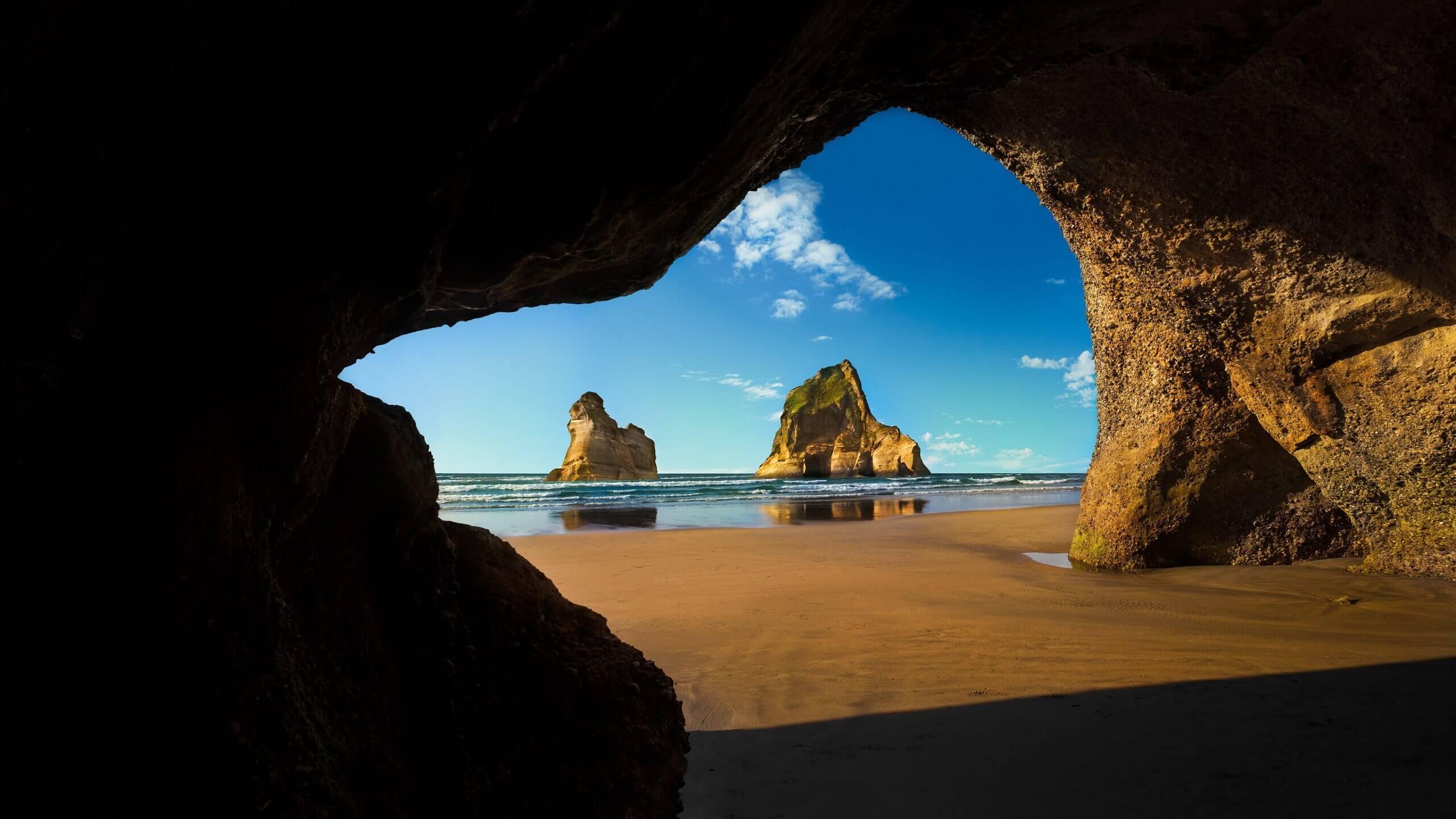 Windows 10 Spotlight Images Wharariki Beach Cave Archway Islands South Island of New Zealand